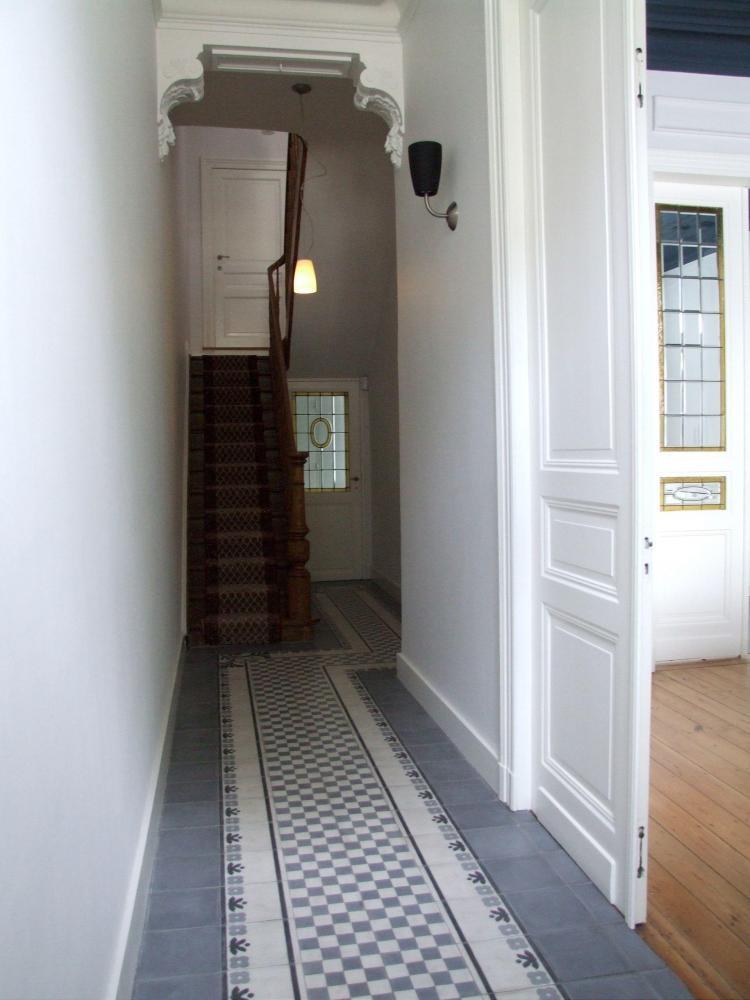 interieur_inkom_tegelvloer_cementtegels