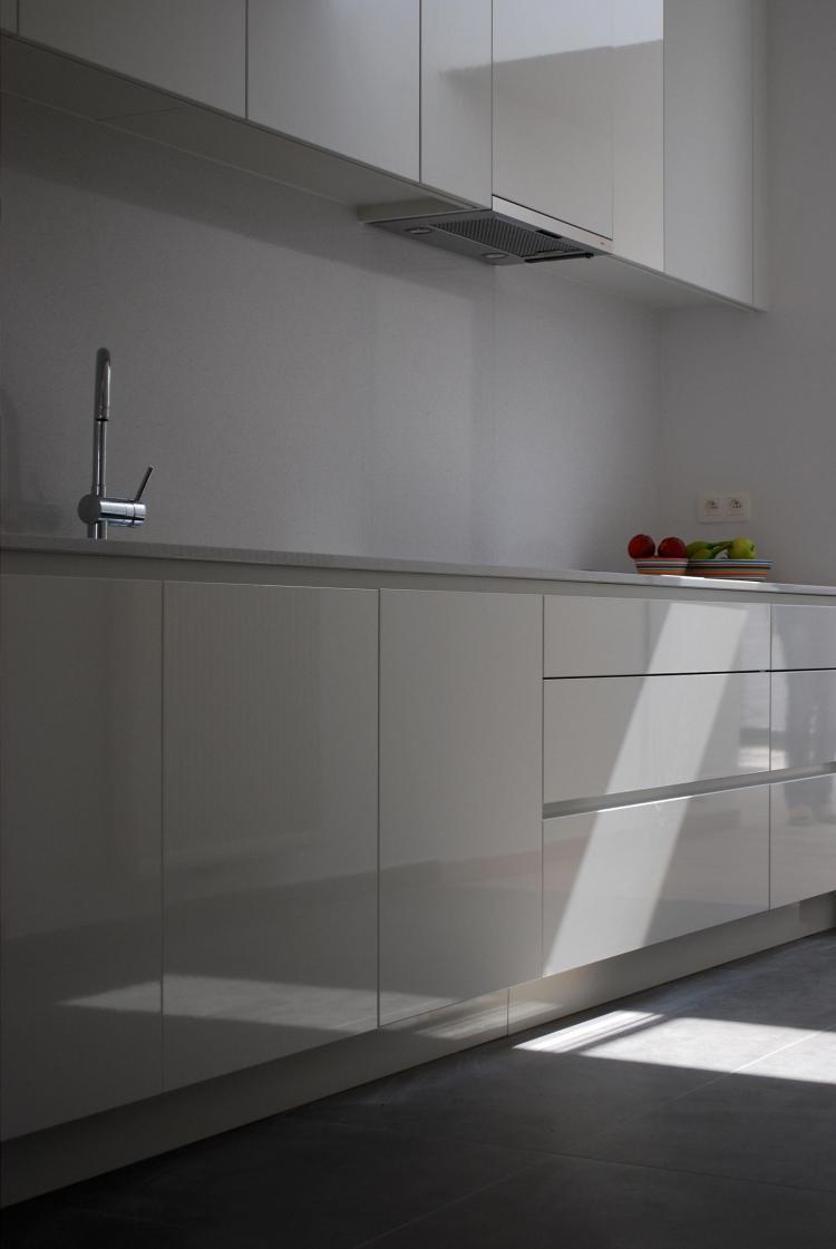 interieur_keuken_maatkasten_hoogglas
