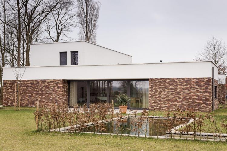 nieuwbouw_woning_dokterspraktijk_open_bebouwing
