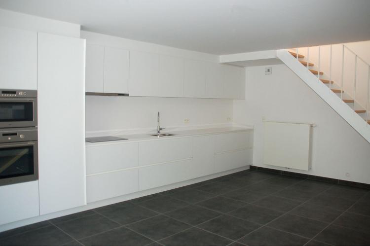 nieuwbouw_woning_rijwoning_keuken_trap