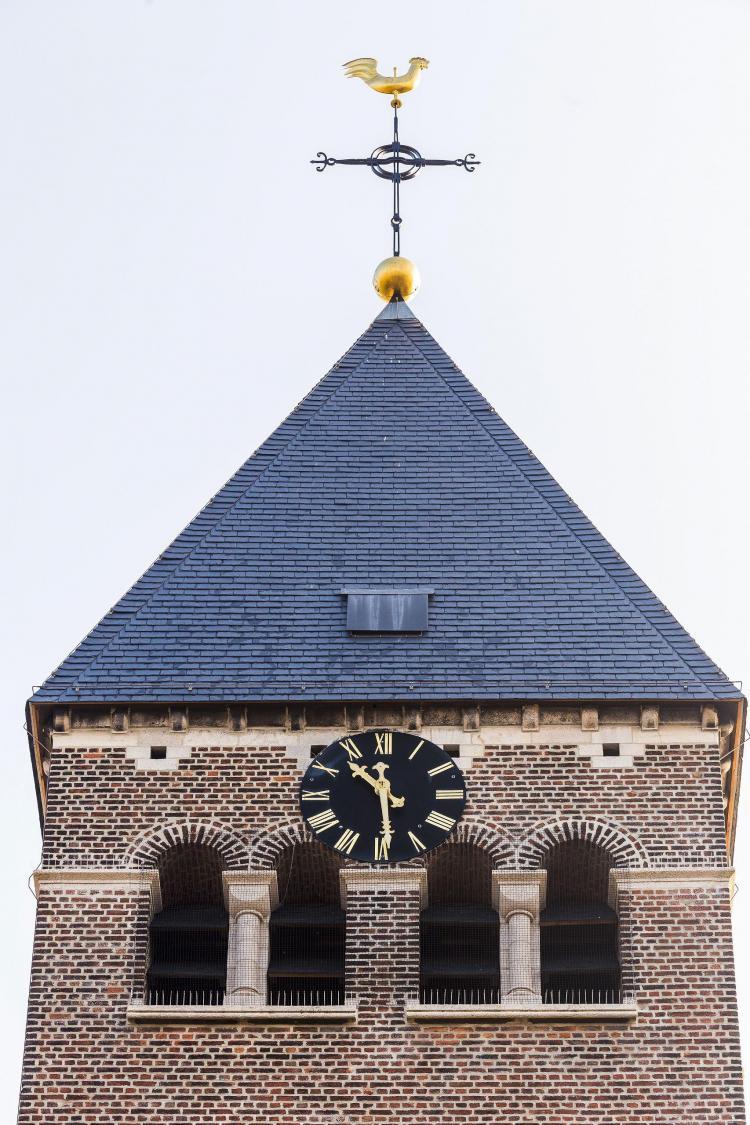 restauratie_torenspits_kruis_haan_kerk_peulis